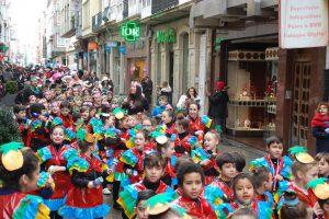 Desfile de carnaval del cole por las calles de Ferrol
